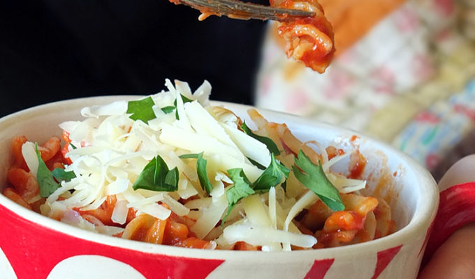 10-Minute Pasta Bowl with Tomato and Basil Sauce