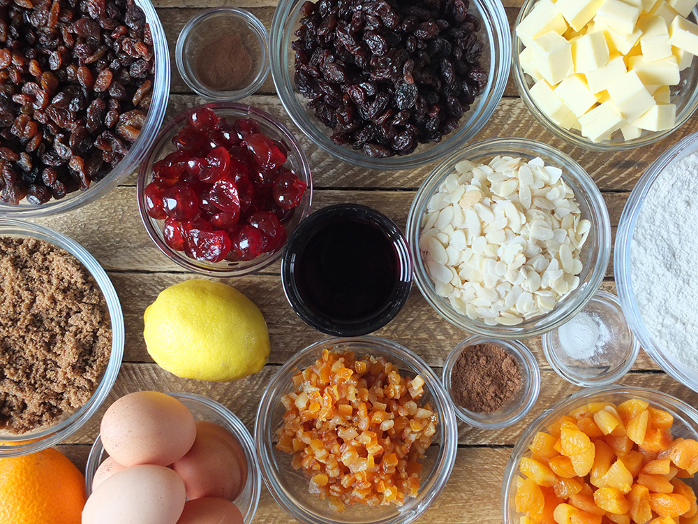 ingredients for pressure cooker christmas cake
