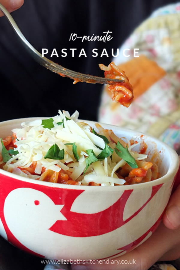 10-minute pasta bowl with tomato & basil pasta sauce #pasta #tomato #basil #easyrecipe