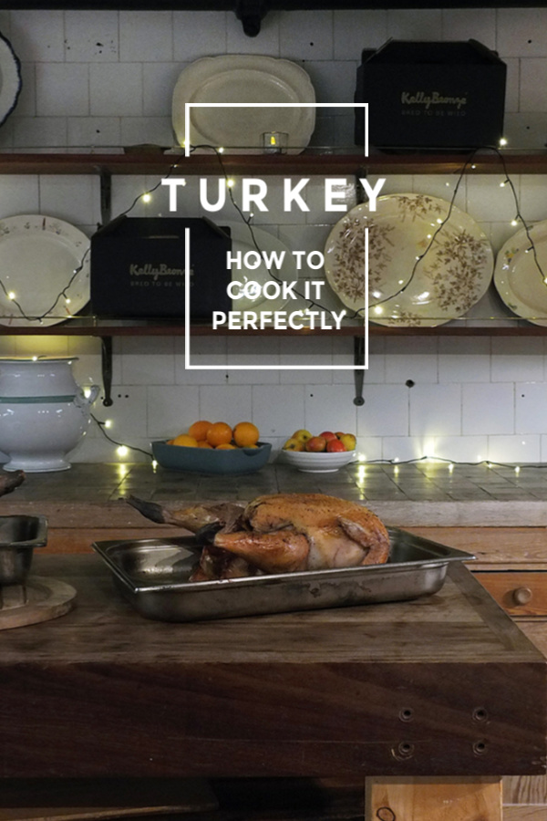 Eight easy steps to the perfect roast turkey, in under 3 hours! #turkey #roast #christmasturkey #thanksgiving #jamieoliver