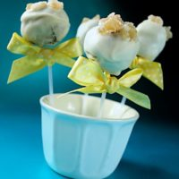 White Chocolate Jamaica Ginger Cake Pops